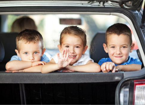 kids in car image
